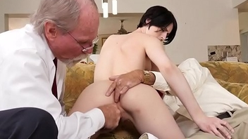 Amateur babe assfucked by geriatric