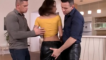 Tattooed eurobabe threeway fucked