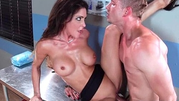 Perv Doctor Give Sex Treat For Horny Sluty Took place (Jessica Jaymes) mov-18