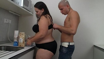 Horny dude boinks this hot fatty at get under one's kitchen